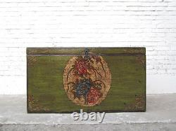 Cats Hygiene Big Green Chest Floral Paintings Access on the Right only At Luxury